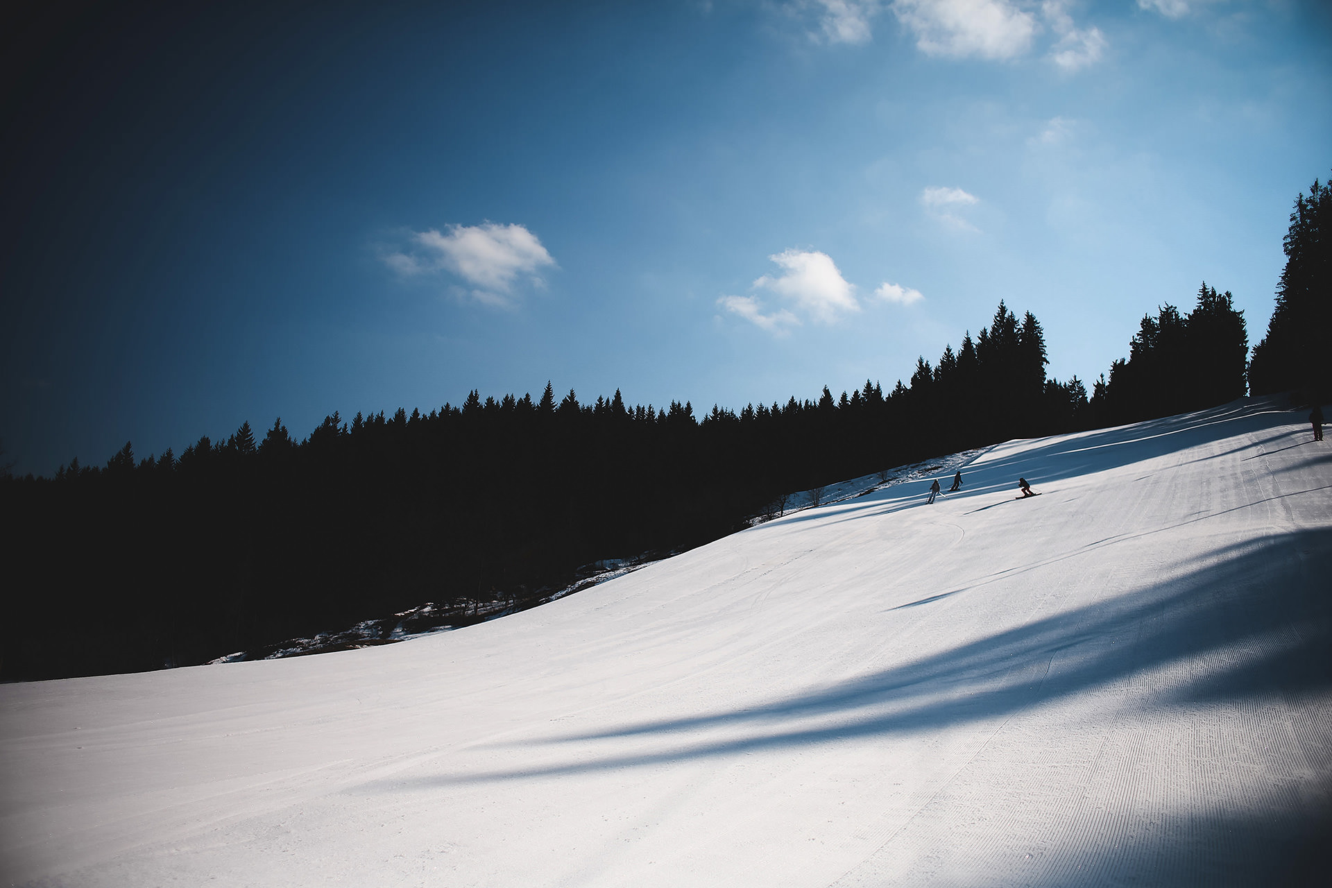 Картинки горные лыжи вельвет, открытки днем